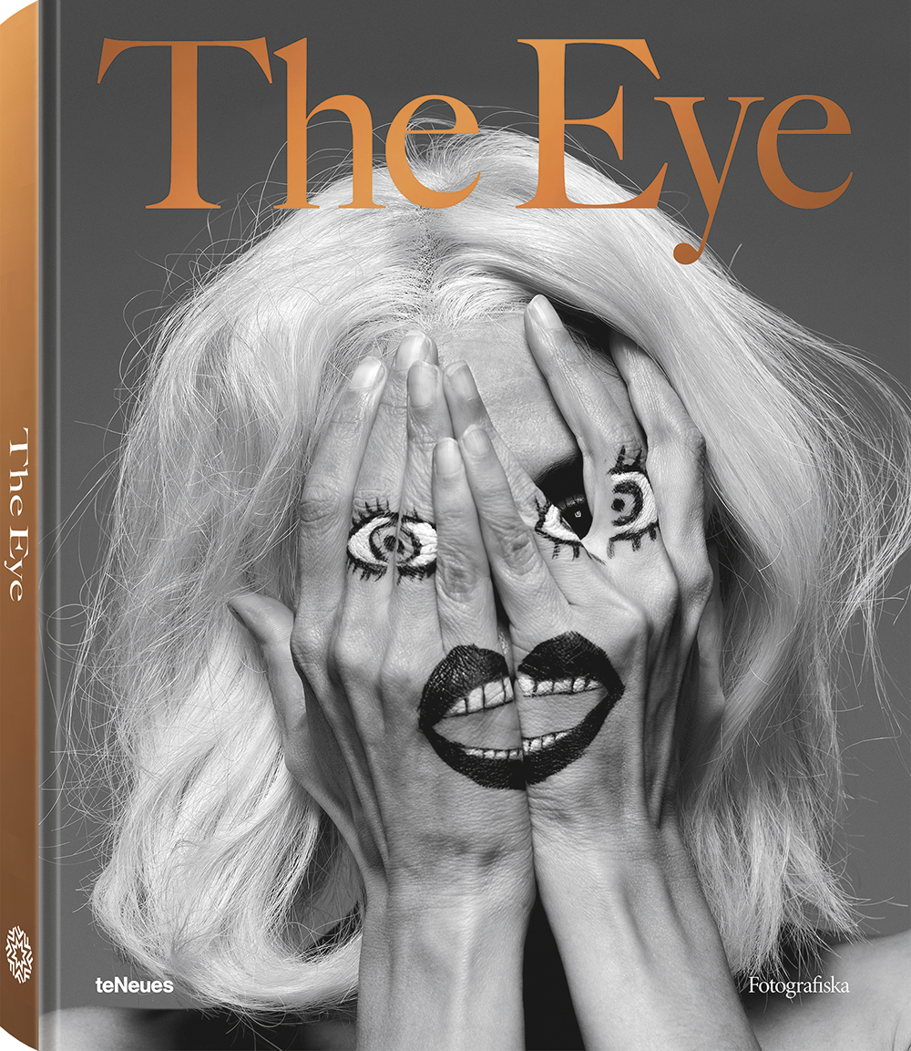 © The Eye by Fotografiska, published by teNeues, € 80,  www.teneues.com ,  www.fotografiska.com ,  Inez & Vinoodh, Joan via Inez, Theatergroep Mugmetdegoudentand, 2005 , Photo © Inez Van Lamsweerde and Vinoodh Matadin. Courtesy Gagosian Gallery