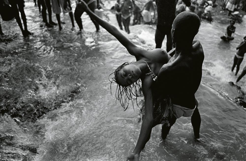 Sodo, Haiti, 2007, Serie: Waters of Hope, Rivers of Tears, Water  Photo © Christian Cravo