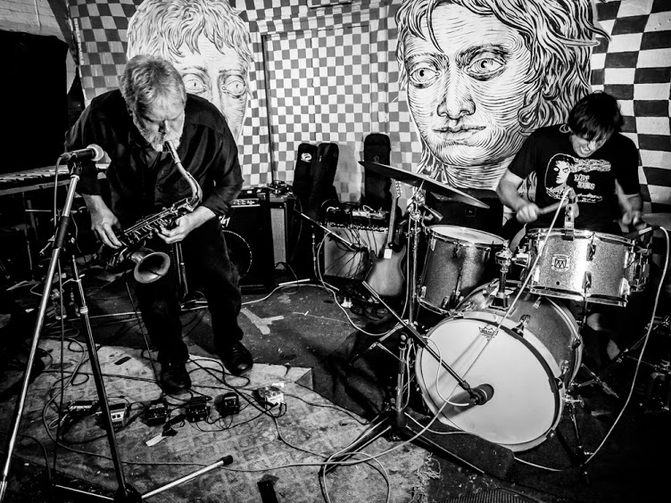 NYCTaper Presents:  ::::: Kid Millions - Jim Sauter Duo  ::::::: True Dreams  ::::::::: Brian Chase (Yeah Yeah Yeahs) and Lisa Schonberg Duo  Monday January 22, 2018 Trans-Pecos 9-15 Wyckoff Avenue Ridgewood Queens 11385  L to Halsey M to Myrtle Wyckoff  $12 Advance $15 Day of Show  All Ages  http://kidmillionsjimsauterduo.blogspot.com/ https://truedreams.bandcamp.com/releases http://www.chasebrian.com/