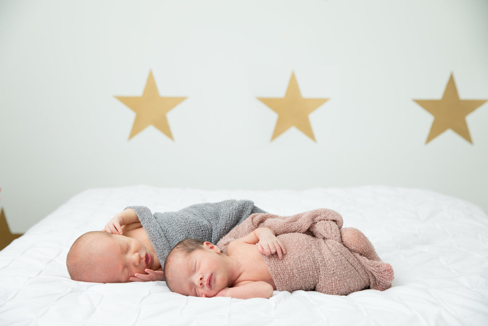 sweet-back-back-boston-nursery-stars-white-twins-sleeping