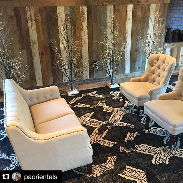 #repost from @paorientals ! Full circle is getting all pretty for the IPC holiday house party! Excited to host this fun event and looking forward to seeing all the beautiful homes in December! ・・・ #Repost It's beginning to look a lot like Christmas. With Robert Hill party prepping @fullcircleforestpark for IPC Holiday House party! #loveofrugs #blackandwhite #happyholidays #holiday #independentpresbyterian