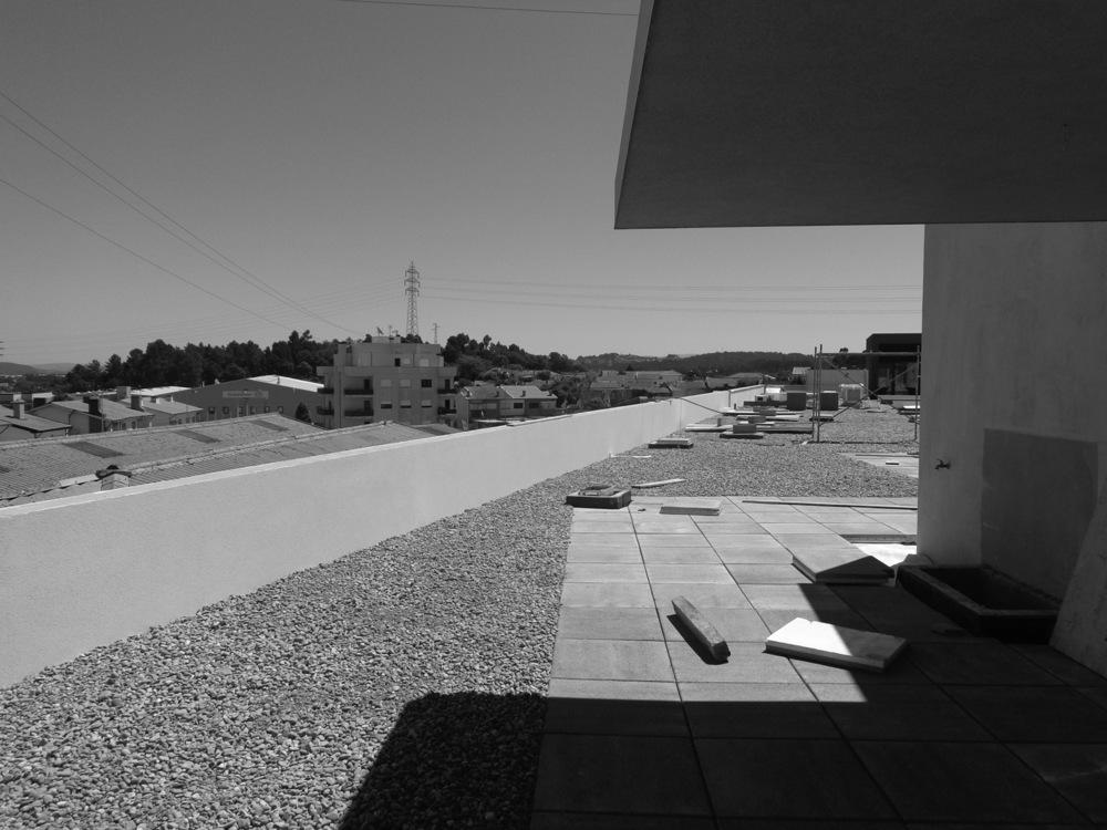 Antero - Construção - Stand - Oficina - BMW - Yamaha - EVA evolutionary architecture - Arquitectos Porto (3).jpg