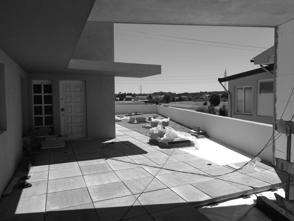Antero - Construção - Stand - Oficina - BMW - Yamaha - EVA evolutionary architecture - Arquitectos Porto (4).jpg