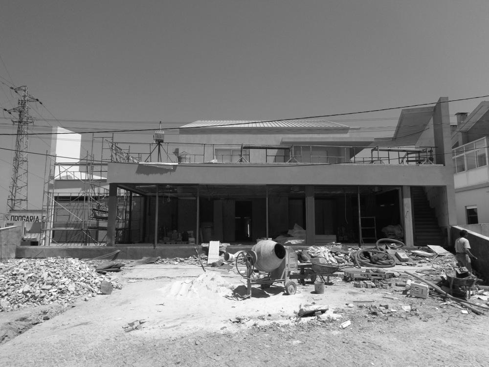 Antero - Construção - Stand - Oficina - BMW - Yamaha - EVA evolutionary architecture - Arquitectos Porto (13).jpg
