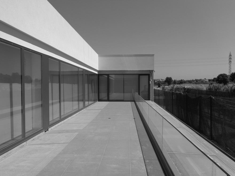 Antero - Construção - Stand - Oficina - BMW - Yamaha - EVA evolutionary architecture - Arquitectos Porto (14).jpg