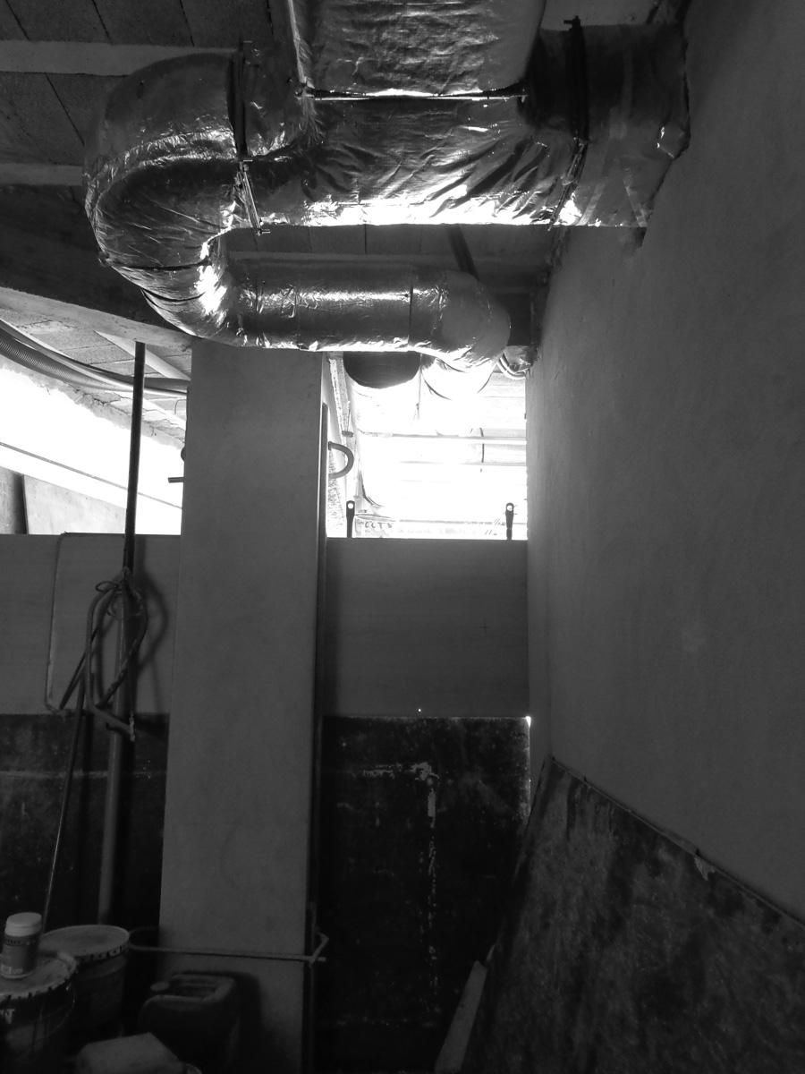 Antero - Construção - Stand - Oficina - BMW - Yamaha - EVA evolutionary architecture - Arquitectos Porto (18).jpg