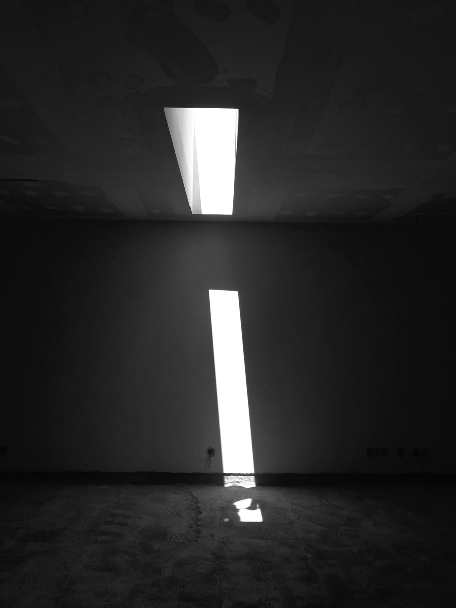 Antero - Construção - Stand - Oficina - BMW - Yamaha - EVA evolutionary architecture - Arquitectos Porto (21).jpg