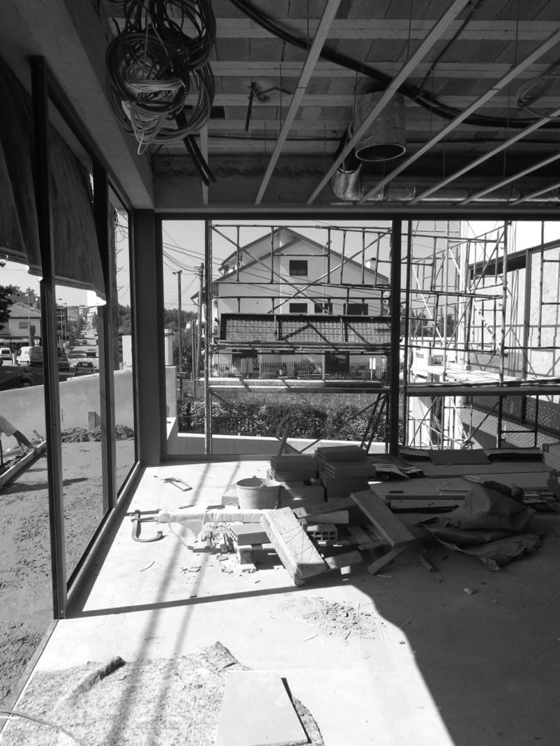 Antero Motos - Construção - Stand - Oficina - BMW - Yamaha - EVA evolutionary architecture - Arquitectos Porto (3).jpg