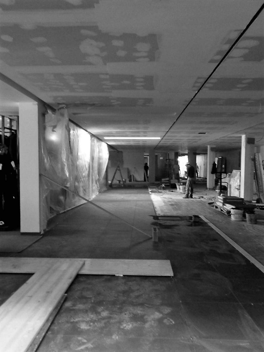 Antero Motos - Construção - Stand - Oficina - BMW - Yamaha - EVA evolutionary architecture - Arquitectos Porto (10).jpg