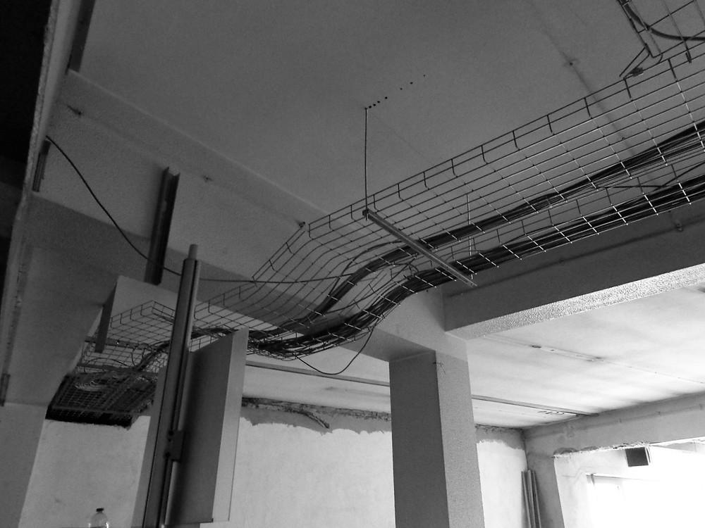 Antero Motos - Construção - Stand - Oficina - BMW - Yamaha - EVA evolutionary architecture - Arquitectos Porto (20).jpg
