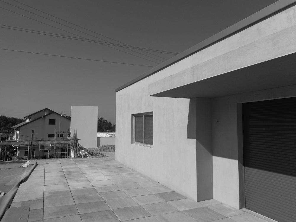 Antero Motos - Construção - Stand - Oficina - BMW - Yamaha - EVA evolutionary architecture - Arquitectos Porto (23).jpg