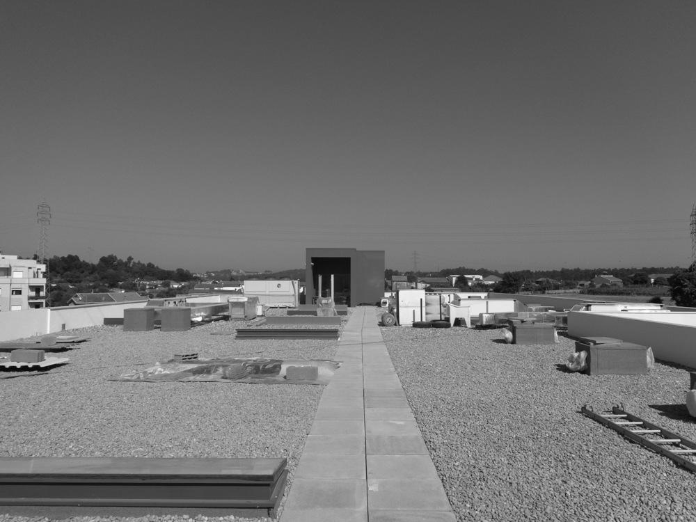 Antero Motos - Construção - Stand - Oficina - BMW - Yamaha - EVA evolutionary architecture - Arquitectos Porto (22).jpg
