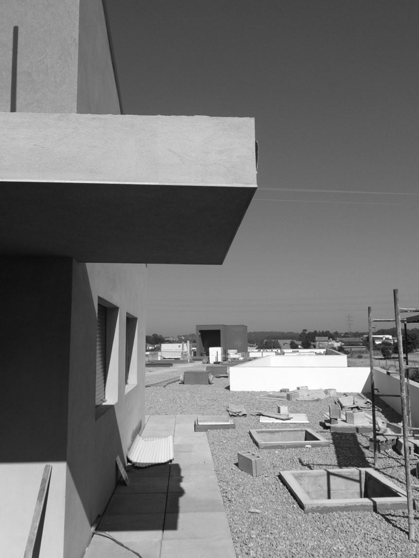Antero Motos - Construção - Stand - Oficina - BMW - Yamaha - EVA evolutionary architecture - Arquitectos Porto (25).jpg