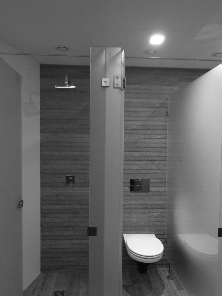 Antero Motos - Construção - Stand - Oficina - BMW - Yamaha - EVA evolutionary architecture - Arquitectos Porto (30).jpg