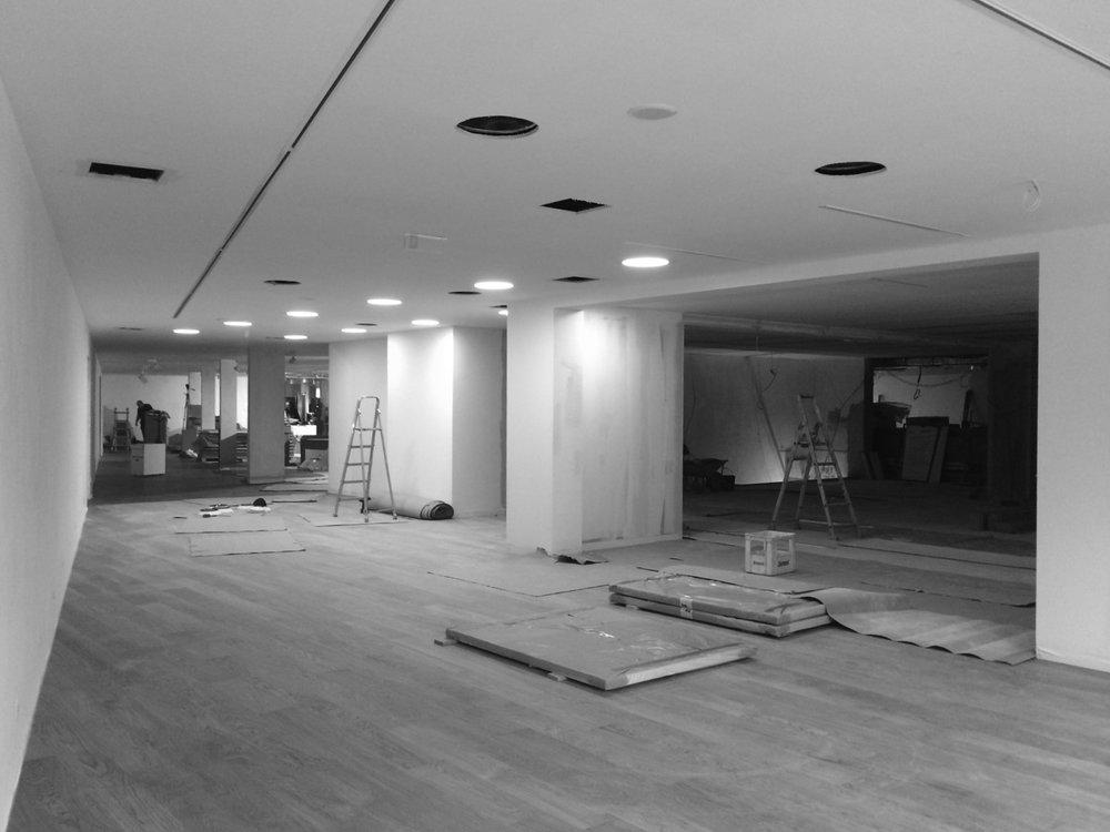 Antero Motos - Construção - Stand - Oficina - BMW - Yamaha - EVA evolutionary architecture - Arquitectos Porto (4).jpg