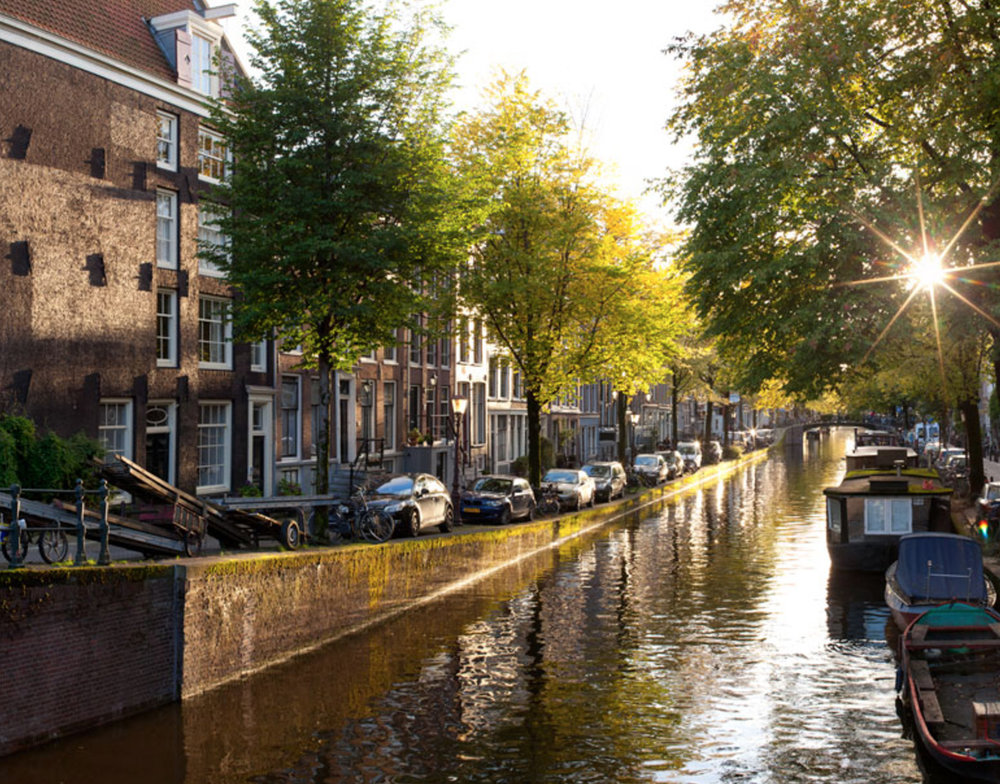 Amsterdam - Rent an electric boat in Amsterdam