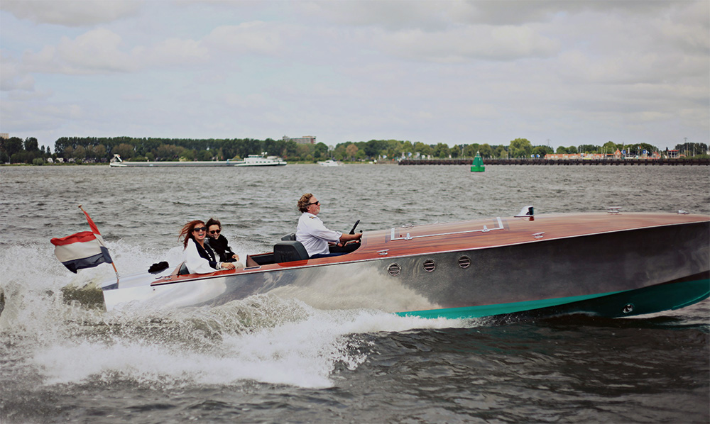 Anne Bonney  - Stylish electric open boat in Amsterdam