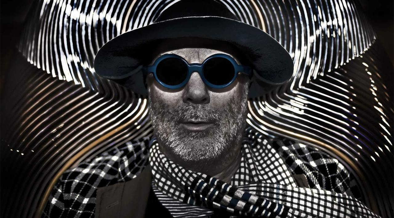 I was reunited with Ron Arad last week to take this portrait. He is working on a new range of eyewear. . check the link. .  I used to be his 'house photographer' when he had his 'shop' in Covent Garden. .