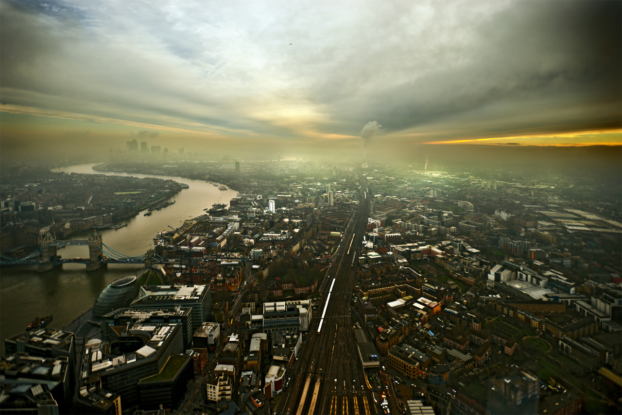 On a press jaunt to the Shard viewing platform… a tad misty but …phwoar. . its almost as good as a helicopter