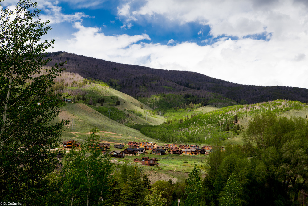 Hillside homes in Silverthorne.