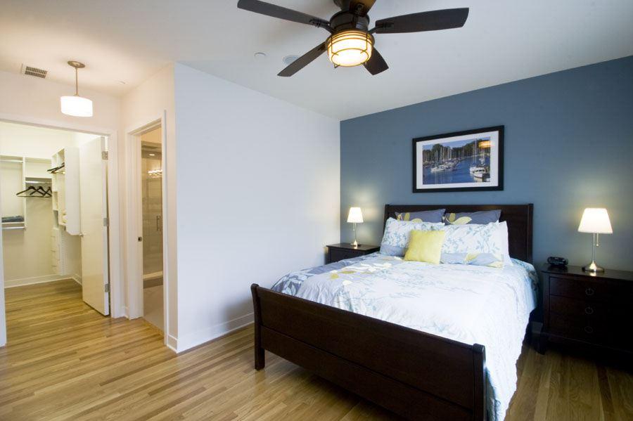302+master+bed.jpg
