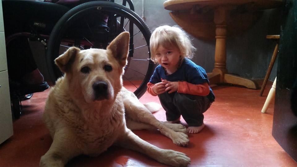 Noah gives Luna a goodbye hug.