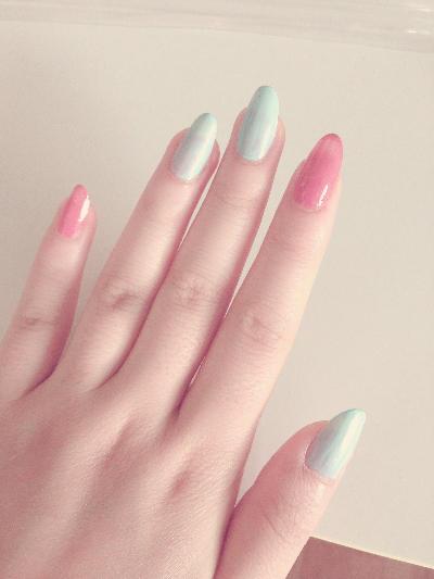 Watercolor Flower Nails 4.jpg
