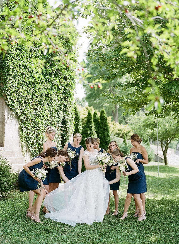 10_Bridesmaids-14.jpg