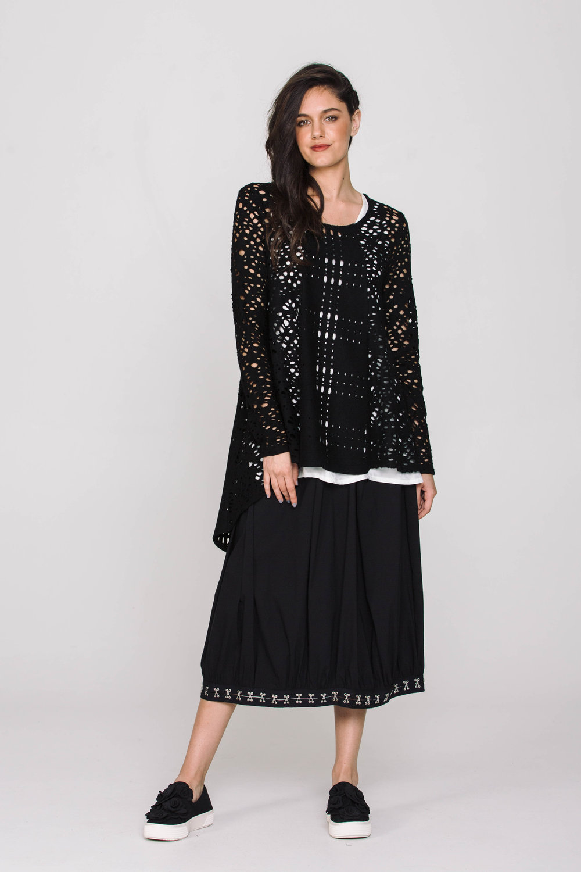 6133X Pearl Tee Black 5671X Pacini Skirt Black
