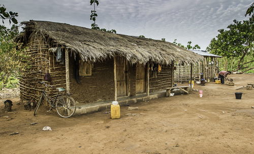 Farmhouse Agogo - Ghana, by Tom Miller. All rights reserved.