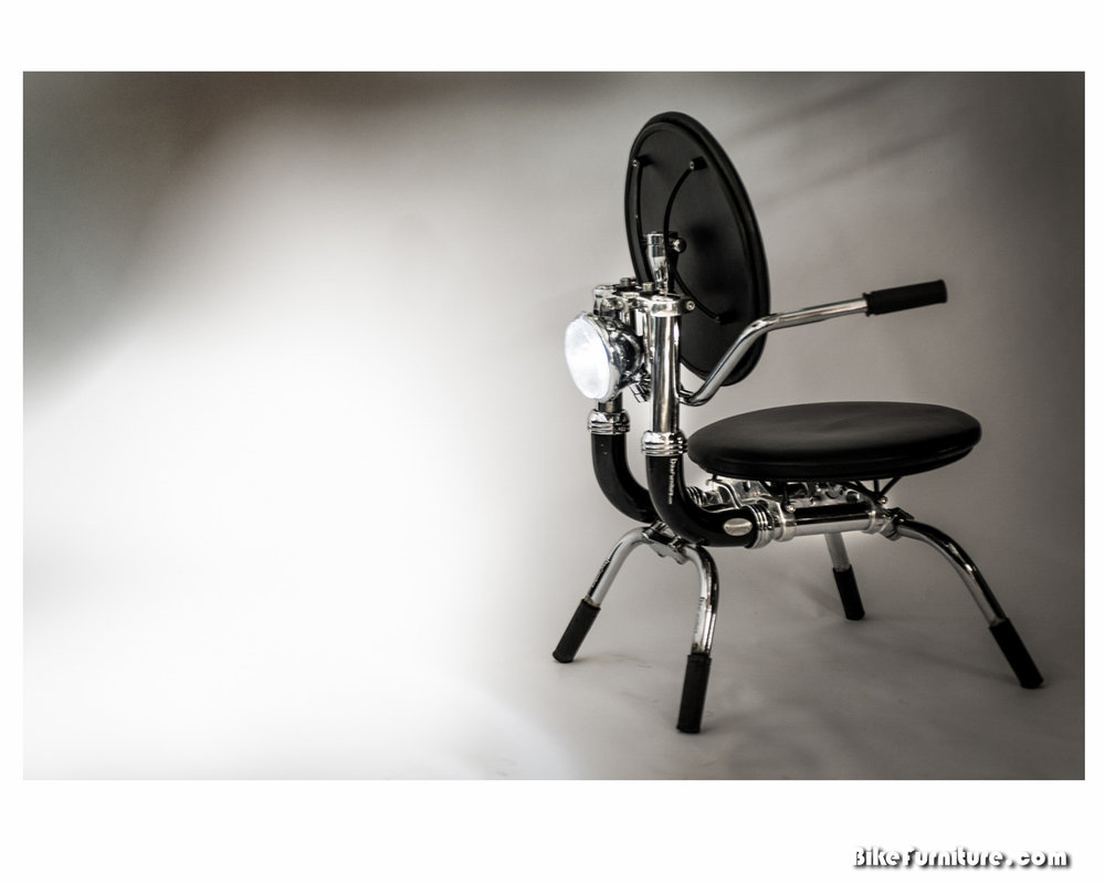 Moto chair with working light