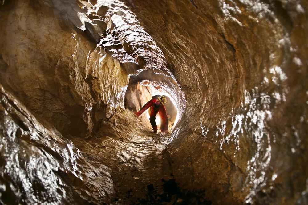 kasiabiernacka_caves20a.jpg