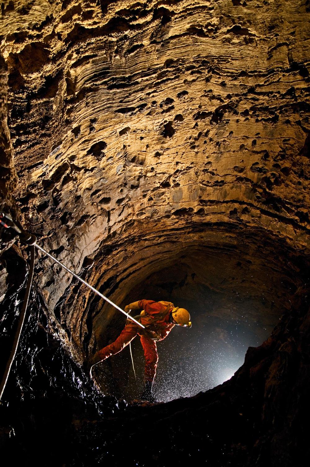 kasiabiernacka_caves19a.jpg