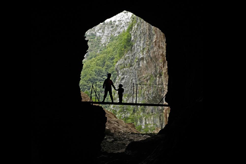 kasiabiernacka_caves59.jpg