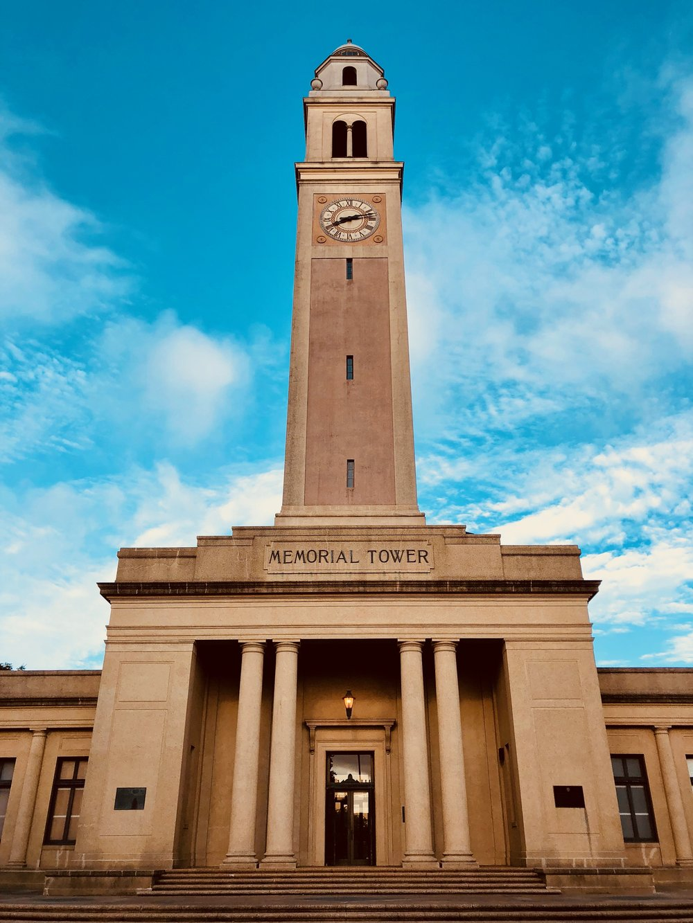 the chimes tower at LSU, and yes i went to chimes bar