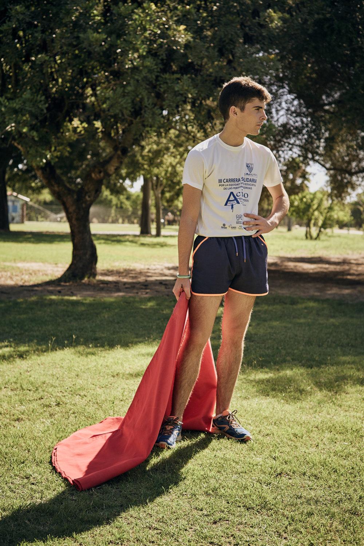 Novilleros   Ein junger Torero im  Parque del Alamillo , Sevilla, während einer morgendlichen Trainingseinheit.