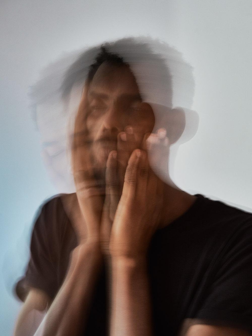 Tod im Paradies   Amanuel Teklay war ein Freund Meharis. Trotz traumatischer Erlebnisse auf der Flucht, hat Amanuel nie den Verstand verloren.
