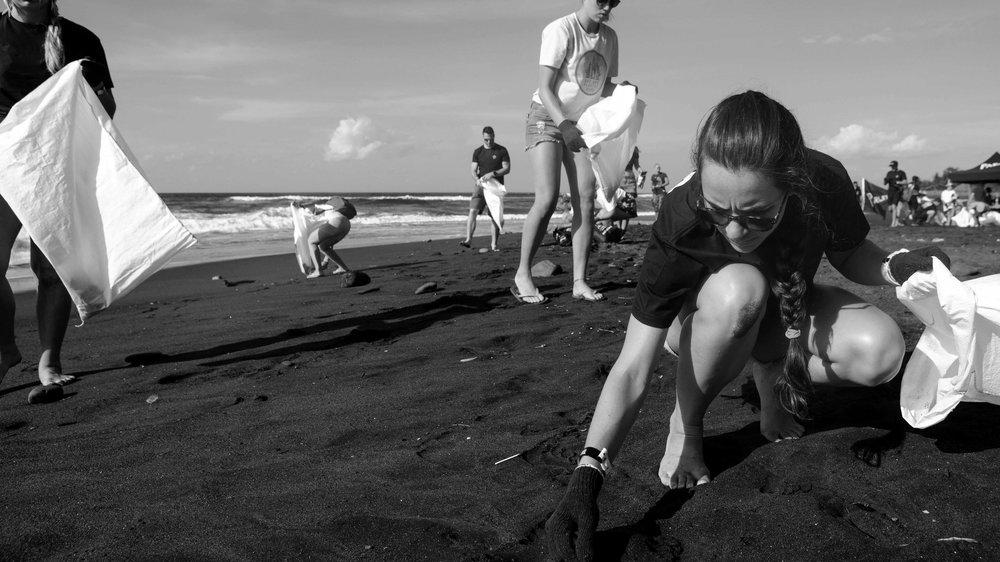 corona-bali-protected-paradise-parley-beach-clean-up-(44-of-218).jpg