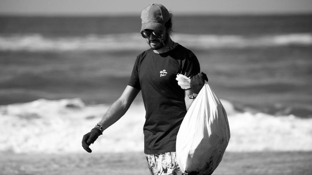 corona-bali-protected-paradise-parley-beach-clean-up-(111-of-218).jpg