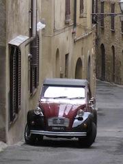 Citroen Deux Chevaux in Volterra