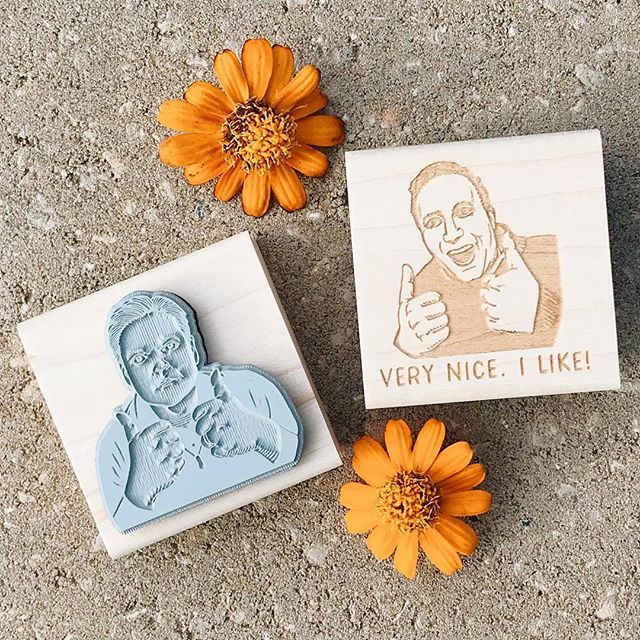 Hi friends, we're back! After a few months of resting our hands we're taking new Custom Portrait Stamp orders again and have totally revamped our site, StampYoFace.com. Two thumbs up, just like these friends from Australia. ❤️ to you all! #rubberstamps #customportraits #funnygifts