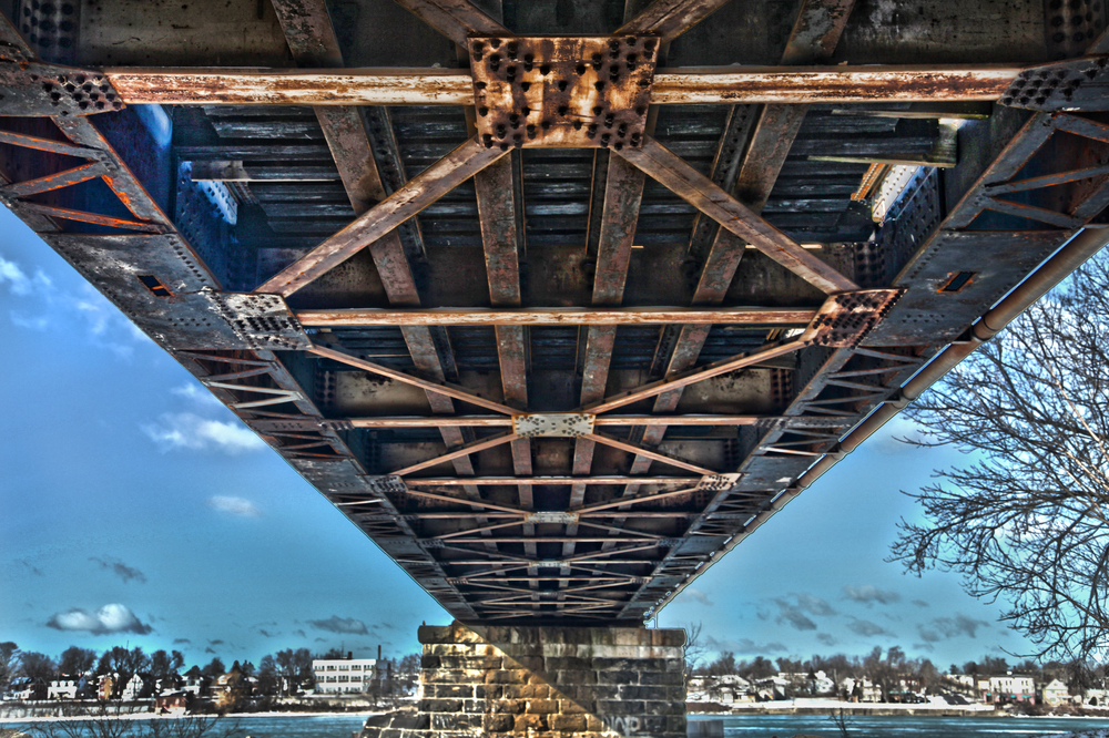 international bridge.jpg