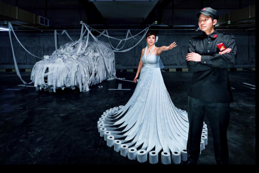 http://www.fearlessphotographers.com/blog/raymond-phang-singapore-wedding-photographer/