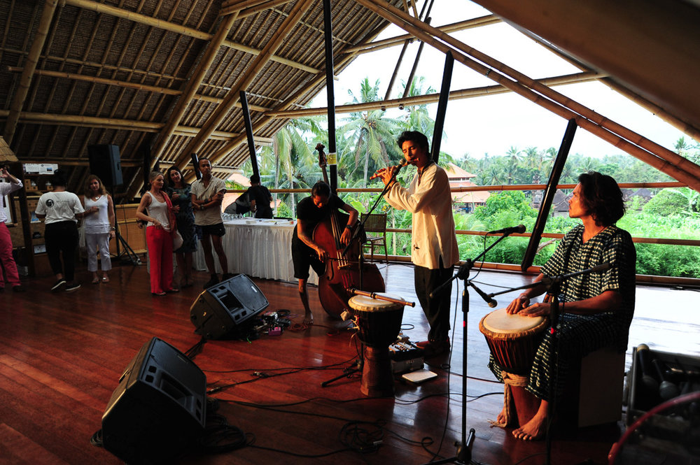 krishna and friends bringing their reggae/folk music to the audience