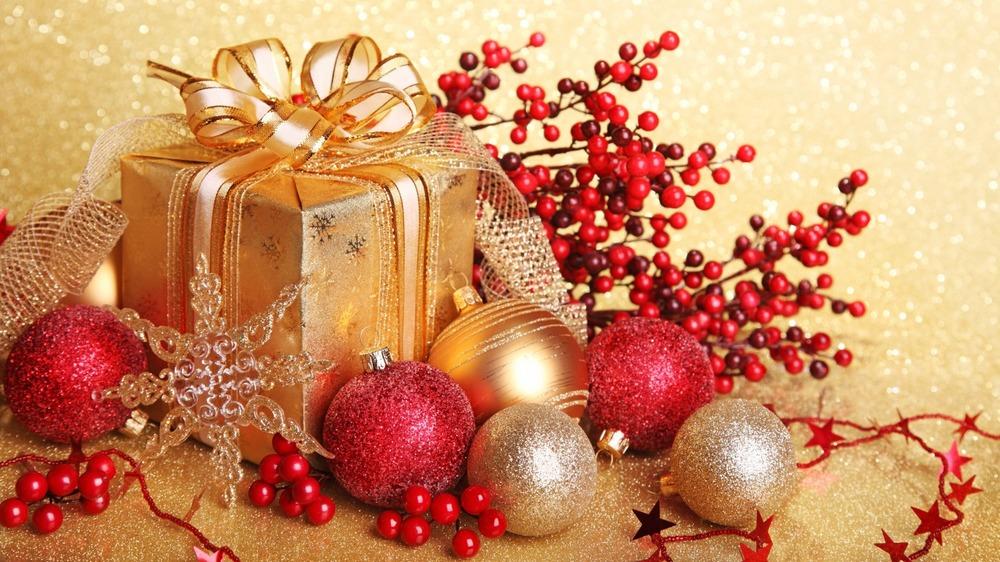 christmas.tree.mantle.jpg