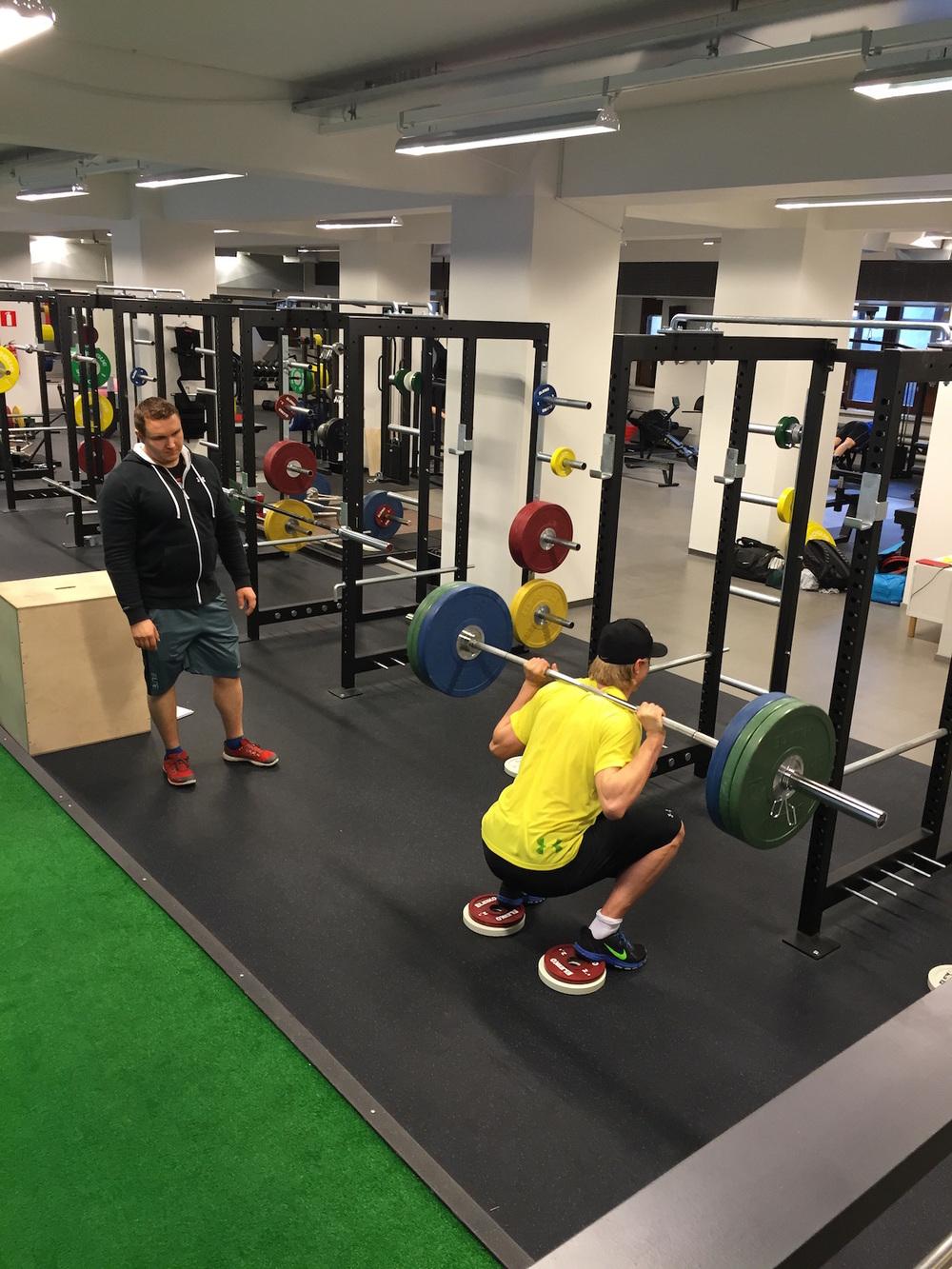 Heikin valmennuksessa ammattijääkiekkoilija Alexander Ruuttu saavutti kesän aikana elämänsä kunnon ja suuntasi tulevalle kaudelle ulkomaille pelaamaan.
