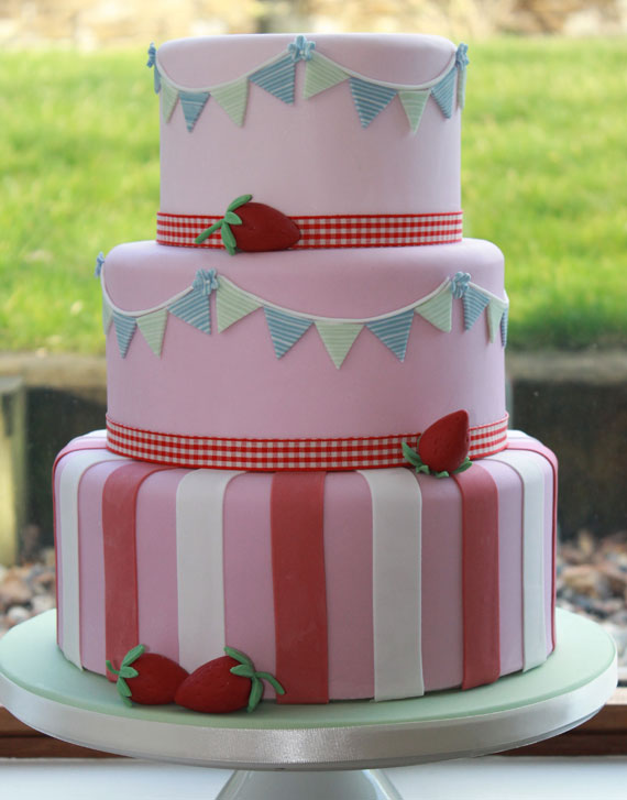 Cake Design Cardiff : Wedding Cakes Cardiff - Cakes by Yvette