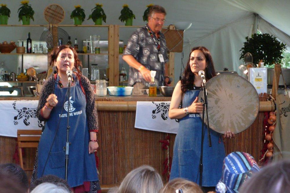 Mahsa and Majan Vahdat in their aprons at Taste The World