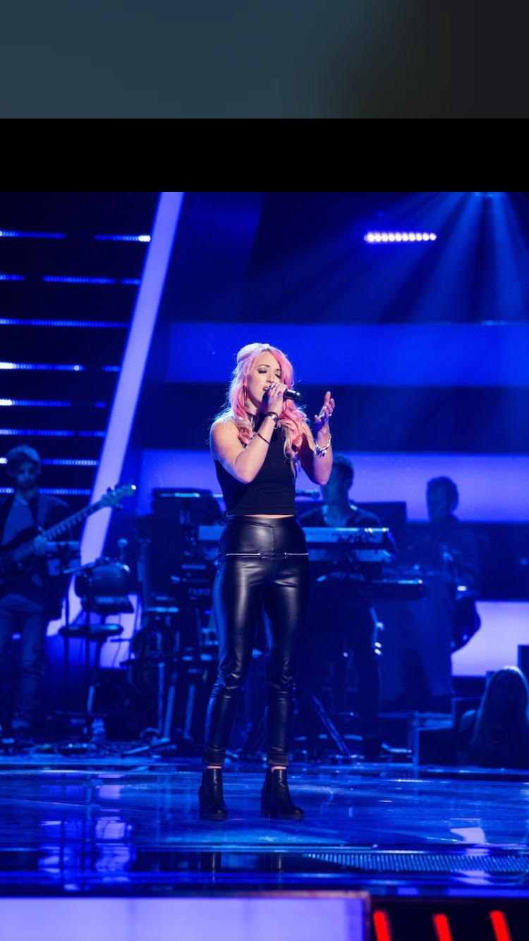 Rachel Rose O'Brien performs on The Voice