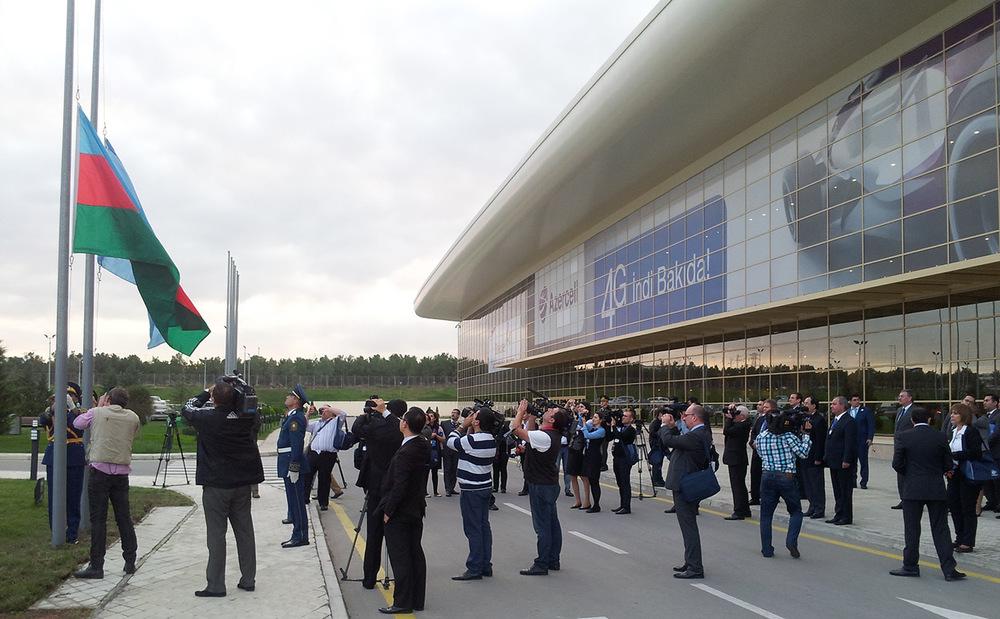 06_Aserbaidschanische-Flagge-IGF-ist-UN-Gelände3.jpg